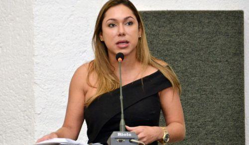 Luana solicita inclusão de questões de História e Geografia do Tocantins em concurso da Assembleia
