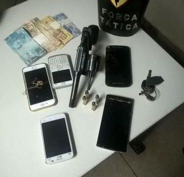 Quatro suspeitos são detidos pela PM acusados de roubo em Araguaína