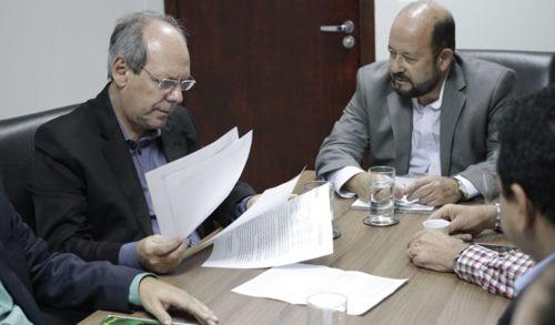 """Prefeito relata ao MPE """"situação caótica"""" causada por atraso no repasse da saúde"""