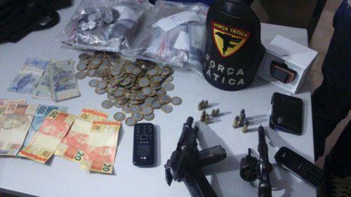 PM prende dois suspeitos por roubo a estabelecimento comercial com reféns em Araguaína