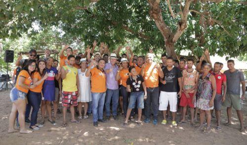 Dimas ouve demandas dos moradores do Povoado Crato
