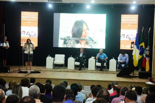 Em sabatina da FIETO, Valderez se destaca e garante a criação do Conselho de Desenvolvimento de Araguaína