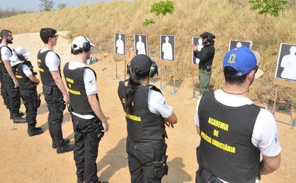 Segurança Pública realiza primeira aula prática sobre técnicas de tiro do Curso de Formação do Concurso da Polícia Civil