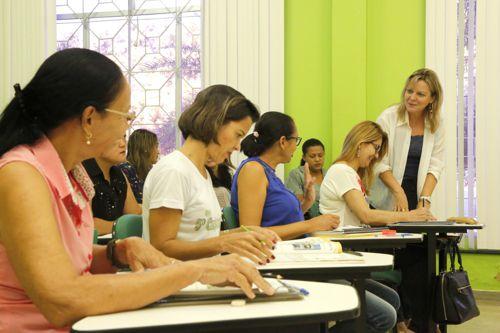 Centros de Línguas retomam as aulas nos quatro polos do Estado