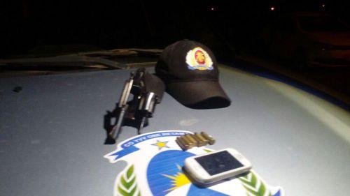 PM prende quatro e apreende duas armas de fogo em Araguaína