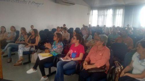 """Caminhada """"Passos que Salvam"""" mobiliza equipes da saúde em Araguaína"""