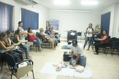 Prefeitura capacita mais profissionais da saúde em urgênciaeemergência
