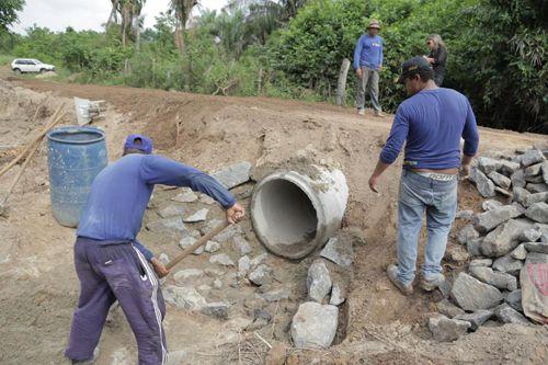 Prefeitura segue com trabalho de recuperação de estradas da zona rural