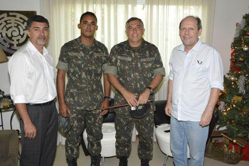 Novo comandante do Exército elogia organização e espaços de lazer de Araguaína
