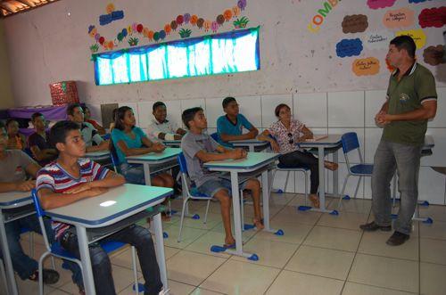 Abertas matrículas para turmas da EJA em Araguaína