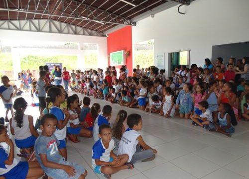 Projeto FACIT na Comunidade doou 500 quilos de alimentos para a Escola Municipal Luiz Gonzaga