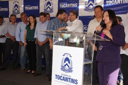 Governo do Estado entrega veículos e equipamentos ao Ruraltins; Valderez discursa em favor do produtor rural