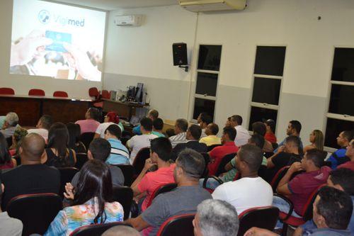 Vigilantes de Araguaína recebem cartões do plano de assistência médica e odontológica
