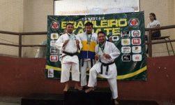Professores caratecas são medalhistas em competição nacional