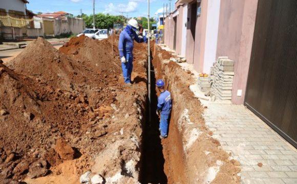 Rede de água implantada emcalçadasevitará prejuízos na pavimentação