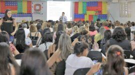 Mais de 400 profissionais da região participam de conferência sobre autismo
