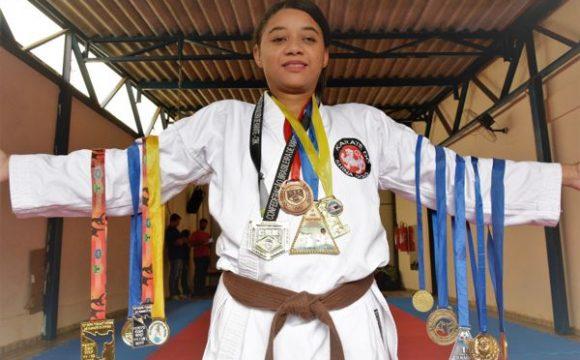 Bons exemplos: karateca araguainense mostra superação de deficiência e conquista mais de 60 medalhas