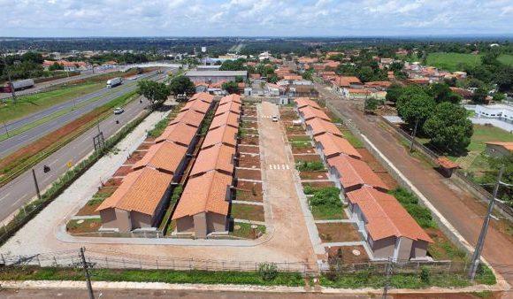 Prefeitura, Caixa e Movimento Nacional de Luta pela Moradia entregam mais casas em Araguaína