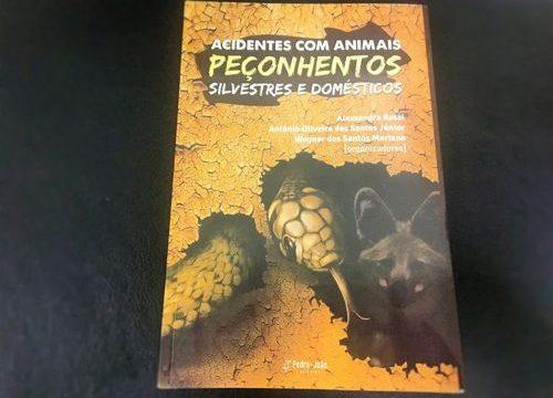 """HDT-UFT lança o livro """"Acidentes com animais peçonhentos silvestres e domésticos"""""""
