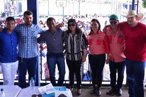 Valderez participa de cavalgada em Aragominas e anuncia recursos para duplicação de rodovia