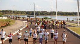 Pedal Amarelo reúne ciclistas e maratonistas por um trânsito mais seguro