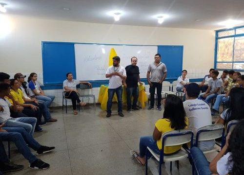 Campanha Setembro Amarelo realiza roda de conversa com jovens de Araguaína