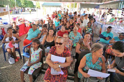 Mais de 100 pessoas recebem certificados de qualificação profissional em Araguaína