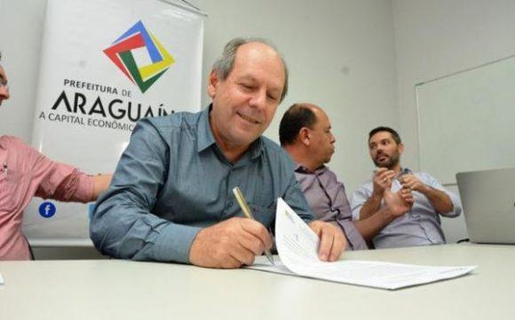 Dimas assina contrato do Complexo de Turismo e Negócios Via Lago