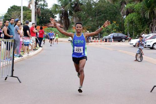 Atleta de Goiás vence a 29ª Corrida de Rua do Trabalhador de Araguaína