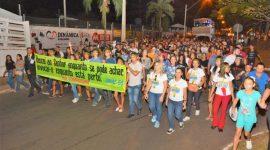 Mais de 20 mil pessoas participam da Marcha pra Jesus em Araguaína