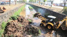 Prefeitura realiza desassoreamento e limpeza dos córregos de Araguaína