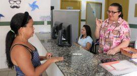 No Dia da Pessoa com Deficiência, Saúde comemora atendimento usando Libras